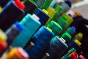 Hilos de coser de colores