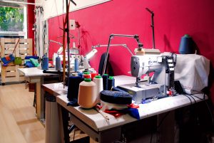L'atelier taller de costura